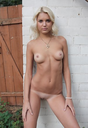 Best Tanned Girls Porn Pictures