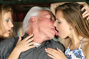Best Girls Kissing Porn Pictures